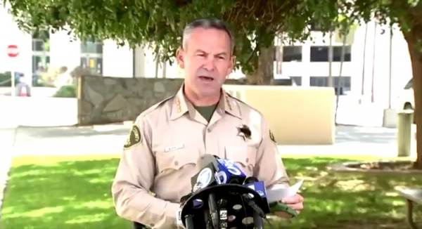 California Sheriff Warns He Has the Power to Fine, Arrest People For Not Wearing Masks in Public (VIDEO)