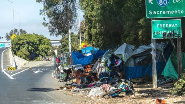 San Francisco Will Leave Homeless in Tents and Hotels after 70 Test Positive for Coronavirus
